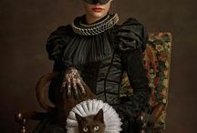 School Gallery Paris / « Portrait d'une femme féline en noir et de son animal de compagnie encore plus sauvage »  ©Sacha Goldberger  courtesy School Gallery Paris / Olivier Castaing Photographie edition 10 + 2EA