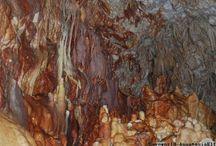 Ενάλια και χερσαία σπήλαια στη Λευκάδα.
