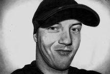 Moje rysunki i grafiki:) drawing art / Moja tablica opowiada o mojej twórczości. Czyli sztuka: rysunki ołówkiem, w kolorze oraz grafika warsztatowa:D Istnieje możliwość kupna prezentowanych prac lub złożenia osobistego zamówienia:)