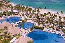 Grand Bahia Principe Punta Cana / Be reminded of the first time you ever laid eyes on a luscious tropical garden or the beauty of the turquoise blue sea as you share gourmet meals with the people you love in paradise.