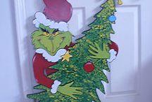 Grinch lawn ornaments / DYI