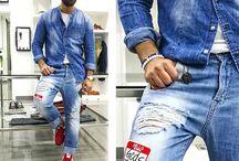 Outfit Uomo SS2017 / envenuto nella sezione Abbigliamento Uomo di CARILLOMODA.IT .  Qui potrai trovare la moda più trendy con i migliori basic, capi classici, eleganti proposte da sera e street style casual.   Lasciati ispirare e aggiorna con stile il tuo guardaroba, divertiti a realizzare gli abbinamenti più trendy ed originali con centinaia di idee moda a tua disposizione. Scopri con noi quali capi e accessori da uomo non devono mai mancare nel tuo guardaroba... e se ti mancano? Beh, è ora di rimediare!