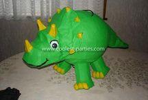 Dino piniata