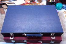 Backgammon board cases. / Board showing the variations of different backgammon board cases you can choose.