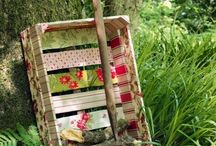 Creative Use of Apple Crates / Look at these apple crates, which is creatively used for future use. Why don't you come up with some fresh ideas like this? Do not throw the apple crates after the use, work out some creative ideas on it. These creative uses of apple crates can definitely help you with this, just for gardening or wall decor like many more.