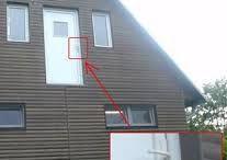 Podivná architektúra / Čo stojí a nespadne, čo je a nemuselo byť a čo sa vymyká akémukoľvek zdravému rozumu..