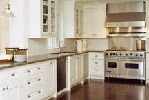 Kitchen / by Rebecca Love Haussling
