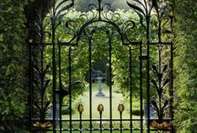 ✽ Fences / Don't fence me in...unless it is a beautiful, modern, artistic, or otherwise unique fence like one of these. / by Stephanie @ Garden Therapy