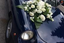Weddingcars. / Eleganti e romantiche #floraldecorations per le vostre #weddingcars.