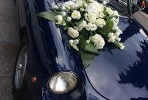 Weddingcars. / Eleganti e romantiche #floraldecorations per le vostre #weddingcars.