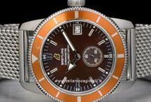 """Breitling Cosmonaute / Nel 1952 tocca al Navitimer, un orologio-strumento provvisto del celebre """"computer d'aviazione"""" utile ad eseguire tutti i calcoli necessari alla navigazione, un cult per i piloti di tutto il mondo. Dieci anni dopo l'astronauta Scott Carpenter indosserà il cronografo Cosmonaute durante il suo volo orbitale a bordo della capsula Aurora 7..."""