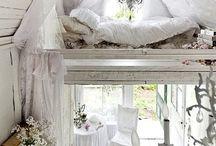 bedroom / bedroom beds