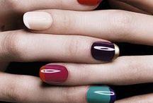 beauty : fingernails
