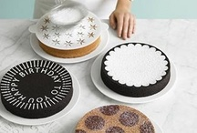 Cakes / Decorated cakes, decoration tools...
