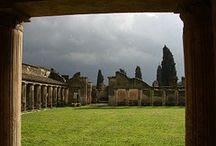 #POMPEYA / Pompeya destruida por el Vesubio y conservada casi intacta para la posteridad.