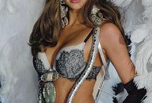Victoria Secret Fashion Show 2012 - Silver Screen Angels