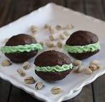 Whoopie Pies & Sandwich Cookies