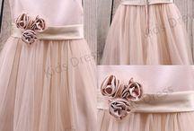 Amina / Dresses