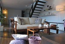 2011/11/11 【ウォールナット材の家具コーディネート】 / ダークブラウン色の床材にウォールナット無垢材の家具でコーディネートした実例です!ウォールナットブラウンとパープル色をテーマカラーとしたコーディネートです!