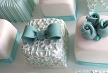 Petit Fours / petit fours, pretty little tea cakes perfect for afternoon tea, bridal showers, etc.