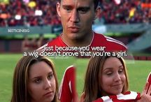 She' s the man (2006) / When her brother decides to ditch for a couple weeks, Viola heads over to his elite boarding school, disguised as him, and proceeds to fall for one of his soccer teammates, and soon learns she's not the only one with romantic troubles. Staring: Amanda Bynes, Channing Tatum, Laura Ramsey, Vinnie Jones, David Cross, Julie Hagerty, Robert Hoffman, Alexandra Breckenridge, Jonathan Sadowski, Amanda Crew, Jessica Lucas, James Kirk, Emily Perkins, Robert Torti, Katie Stuart ...