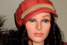 Gorros sombreros crochet / by Lupita Perez Rodriguez