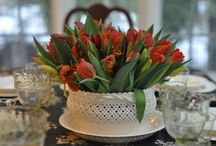 Flowers / Get inspiration for beautiful, creative DIY centrepieces and flower arrangements for the home and table; simple, rustic and elegant.  Explore different types of flowers from the garden; augment inexpensive grocery store flowers with more unusual colourful varieties. #table centrepieces #flowers