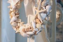 Wreaths / by Franci Dykes