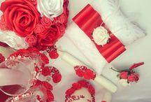 красное украшение