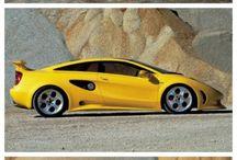 Bumble bee's sleek older brother / Lamborghini