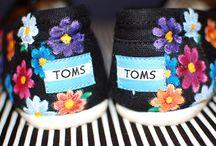 Shoes - Flowers / Flower patterned tekkies