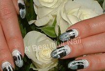 Nail Art Handen. / Nail Art geplaatst op kunstnagels, natuurlijke nagels.  #Nailart #Handen #Nagels