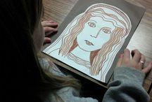 Leonardo da Vinci Art projects for kids & K-8 students / Leonardo da Vinci - Art Elements Taught Line, Value Art Activity Emphasis Renaissance Portraits, Proportions of Face Student Art Supplies Markers, Paint