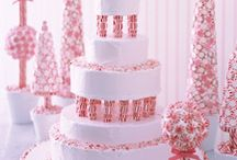 Cakes I Wish I Could Make / These are cakes that I would love to be able to make.   / by Debbie Lunsford
