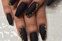 Makeup, fashion and nails