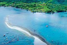 Surfing Tahiti / by Atelier Leseine