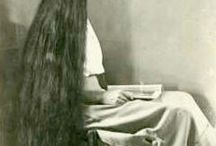 I'm a fan of long hair / Very long hair  / by Holly
