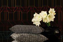 Dekostoffe / Inspiriert durch internationale Wohntrends entwickeln wir kreative, textile Konzepte für  Einrichtungsstoffe und Kissenkollektionen. So geben wir Räumen Atmosphäre und schaffen neue, überraschende Perspektiven fürs Zuhause.