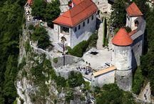 Burgen, Schlösser, Museum und Kirchen