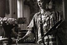 Frida Kahlo mujer & pintora / by Estamparcheros Arte y Diseño