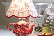 teapot decor, lamps