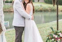 Beautiful Christmas-Inspired Wedding Shoot / Christmas-Inspired Wedding Shoot