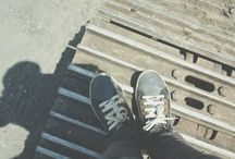 Foot on frame / anywhere
