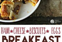 RECIPES: Breakfast Ideas / Find Breakfast ideas and recipes that are family friendly. Breakfast recipes for brunch, school mornings and more.  / by Today's Creative Life