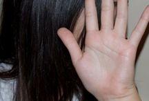 Bullying / Bullying, ένα θέμα που απασχολεί πολλούς γονείς. Είναι το παιδί μας θύμα ή θύτης; Πώς διαχειριζόμαστε την κατάσταση όταν το παιδί μας εκφοβίζεται αλλά και όταν εκφοβίζει;