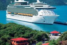 Atrévete a viajar en Crucero / En un crucero podrás disfrutar del sol, diversión, mar y mucho entretenimiento en tan solo un lugar.  Te invitamos a que te animes a viajar en un crucero.