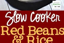 Crockpot Recipes / Slow cooker recipes of all kinds. Pull out your crockpot and enjoy some delicious food!  Perfect for easy weeknight dinners or party food to feed a crowd.