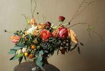 bloemen op lage vaas