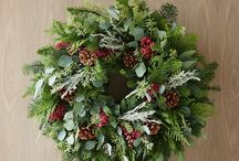 Wreaths / by Betty Pasch