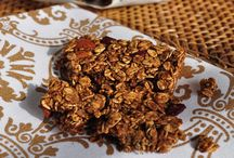 Healthy Snacks and Bars / Xtrema Cookware believes in cooking and eating healthy.  Keep yourself full through the day with these healthy snacks and bar ideas. Perfect for before, during, and after workouts these snacks will help you stay on track even.  Satisfy your cravings with these health snack alternatives.